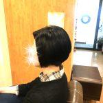 ストレートの髪を立体的に