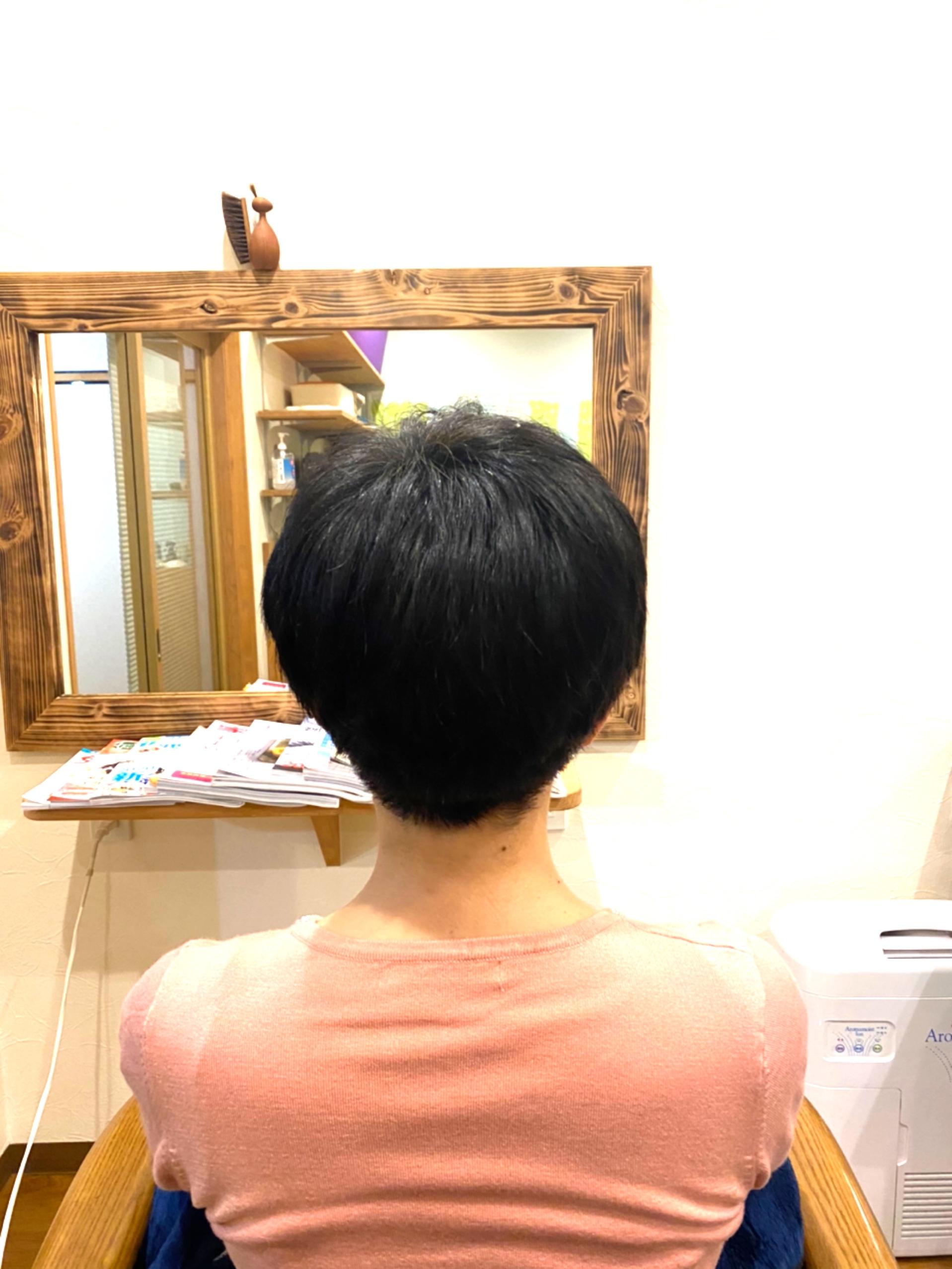 つややかな髪に