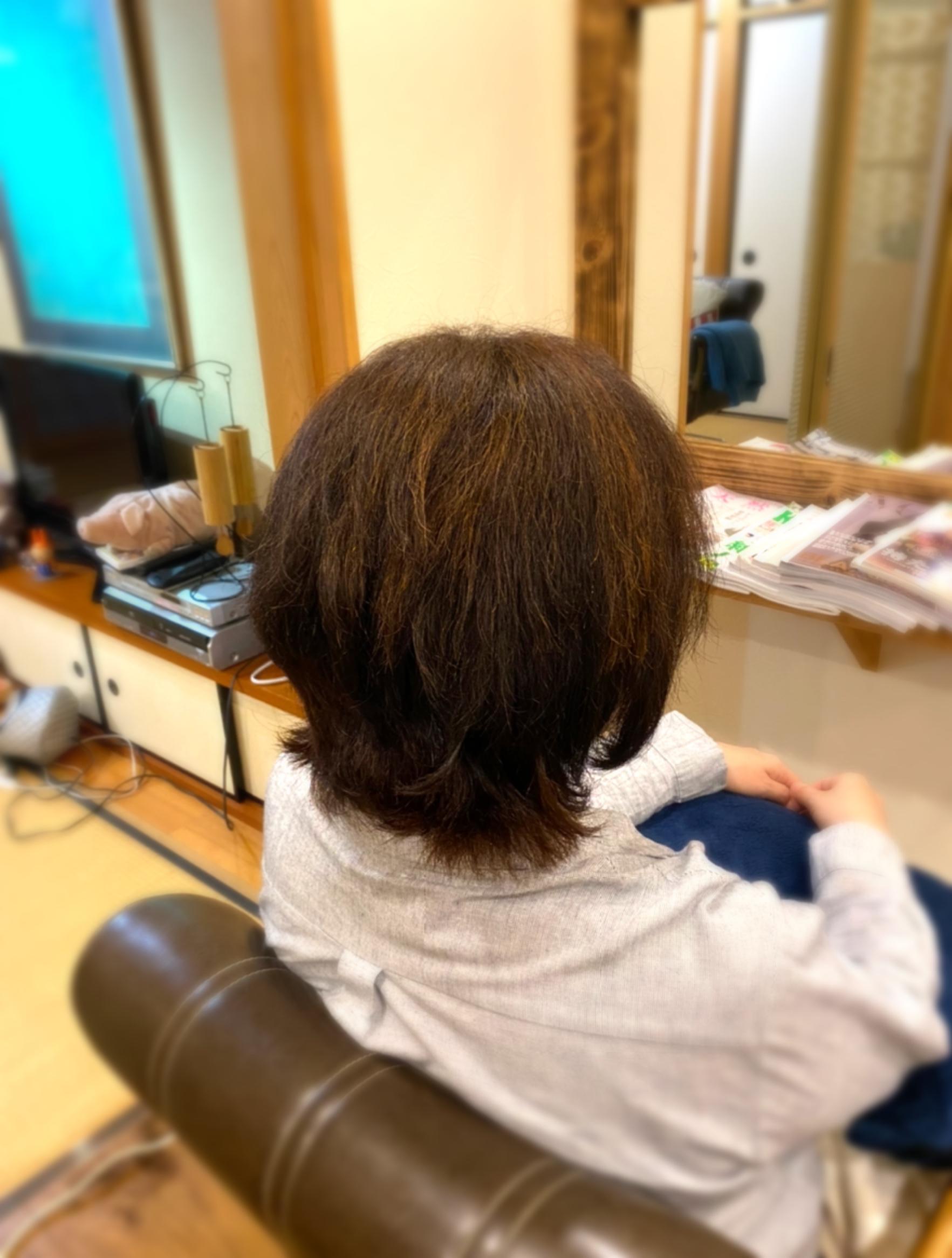まず髪を整える